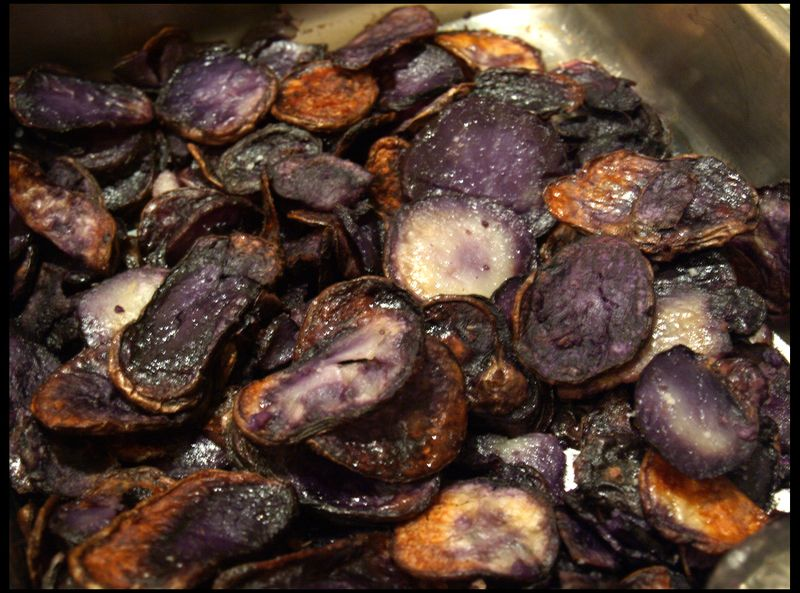 Baked purple potato chips