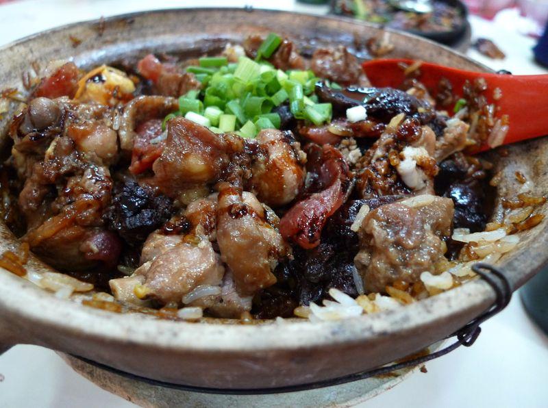 Old mother hen claypot rice
