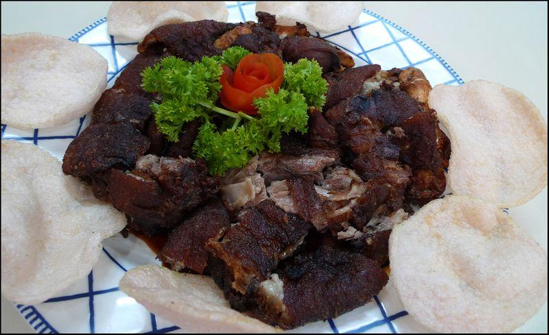 Fried pork knuckes