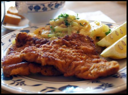 Wiener_schnitzel_lowenbrau