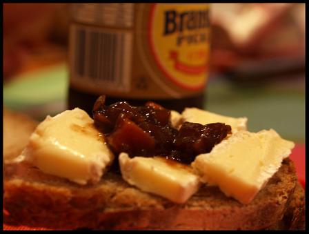 Brie_pickle_sandwich