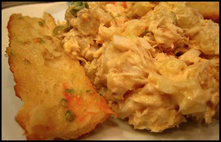 Tuna_salad_tomato_rubbed_bread