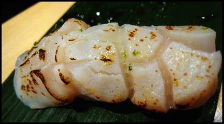 Hotate_sushi
