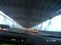 Car_in_bridge