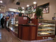 City_bagels_counter