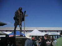 Gandhi_statue_1