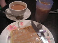 Waffles_and_tea